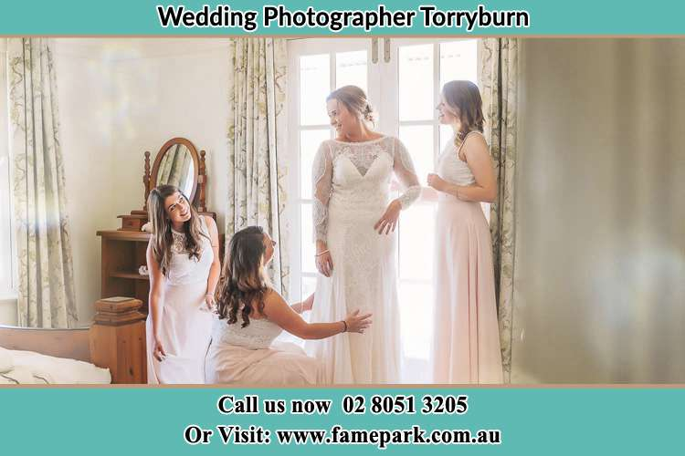 Photo of the Bride and the bridesmaids preparing for the wedding Torryburn NSW 2358